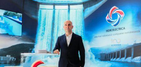 Hidroelectrica pierde sume de ordinul de sute de mii de euro din cauza poluării cu deşeuri a râurilor şi lacurilor, a declarat preşedintele Directoratului companiei, Bogdan Badea.