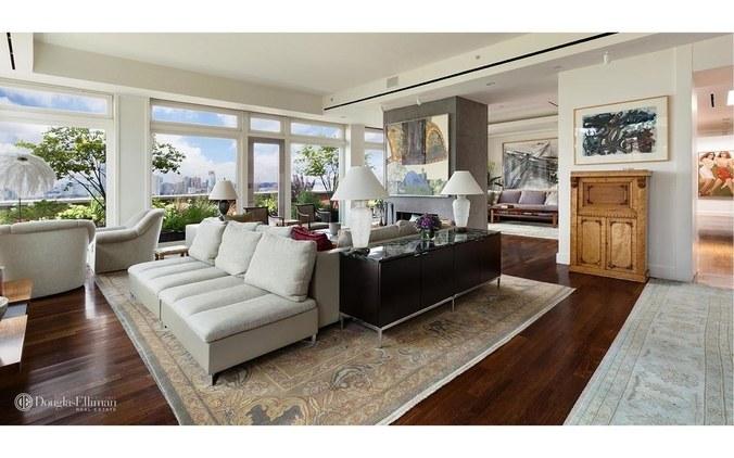 Douglas Elliman/StreetEasy (https://www.wmagazine.com/story/meryl-streep-selling-nyc-penthouse-apartment)