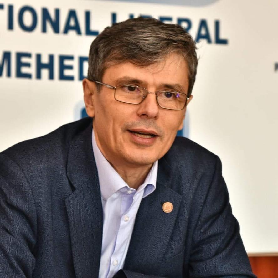 Virgil Popescu, Ministrul Economiei, Energiei și Mediului de Afaceri.