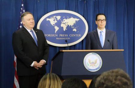 Şeful diplomaţiei americane Mike Pompeo (stânga) şi ministrul american al finanţelor, Steven Mnuchin.