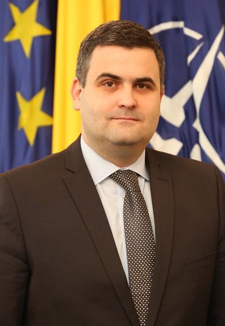 Ministrul Apărării Naţionale, Gabriel Leş.