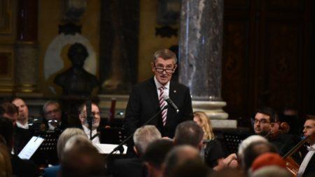 Andrej Babiš - https://www.vlada.cz
