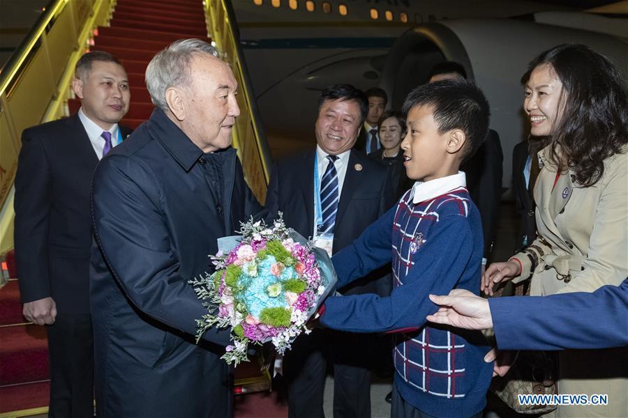 Primul președinte al Kazahstanului Nursultan Nazarbayev participă la Forum. www.xinhuanet.com