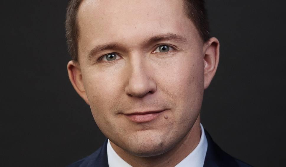Analistul-șef al grupului XTB, Przemysław Kwiecień.