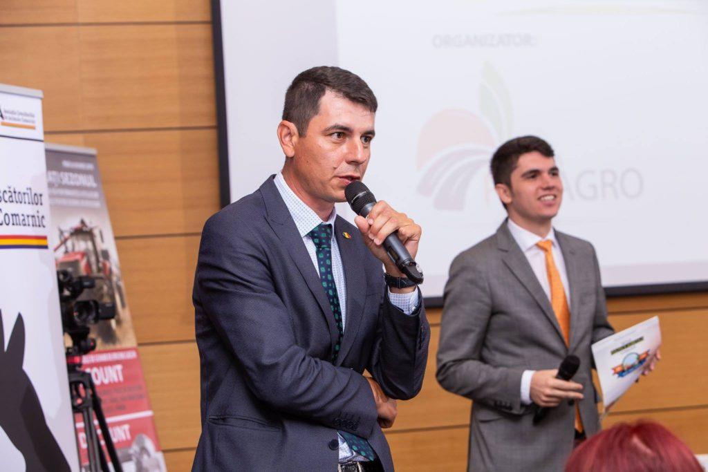 """Într-un interviu acordat acum câteva luni,Emil Dumitru,producător agricolși fostul președinte al Federaţiei Naţionale Pro Agro, spunea: """"Practic, consumatorul din România finanțează industria agro-alimentară a altor state membre, în loc să ne dezvoltăm noi, local. (Sursa Foto -Federaţia Naţională PRO AGRO)"""