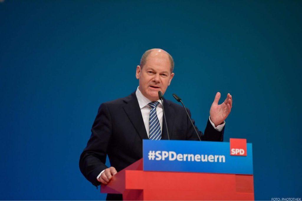 Scholz este pregătit să introducă totuşi taxa în Germania, deoarece vrea să finanţeze o pensie de bază pentru angajaţii cu venituri scăzute. (Foto Facebook)