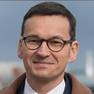 Mateusz Morawiecki, Polonia