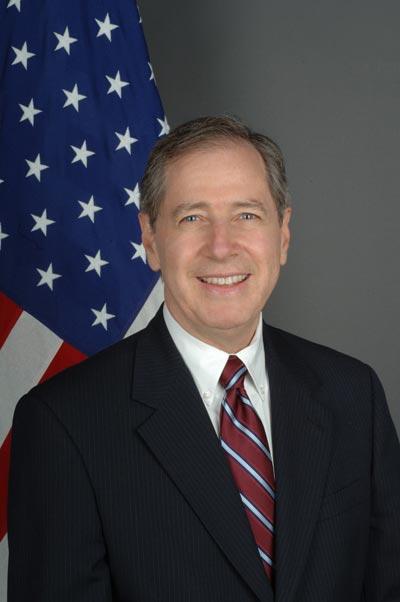 Mark Gitenstein face parte din echipa de tranziţie a preşedintelui ales Joe Biden.