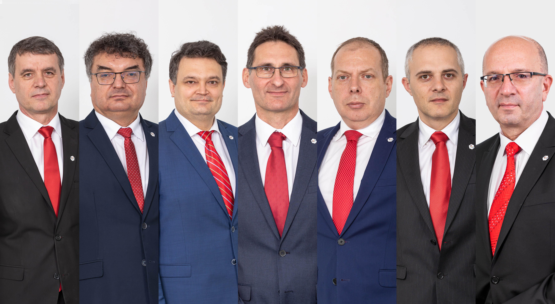 Echipa Chimcomplex - de la stanga la dreapta - Victor Avram, Dumitru Coman, Daniel Prisacariu, Tivadar Runtag, Adrian Dumitriu, Armand Sirbu, Gheorghe Serghei