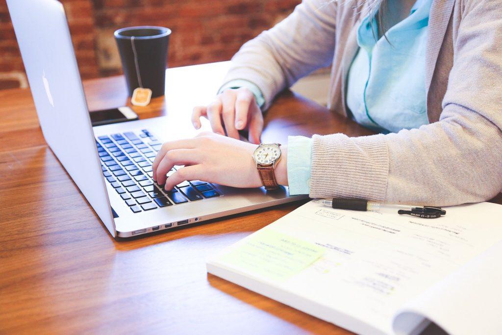 firme online, Economia digitală