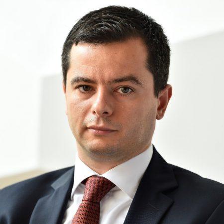 """""""Credem că doar prin intensificarea eforturilor de a susține start-up-urile din tehnologie putem ajuta ecosistemul local să scaleze și să producă viitoarele companii solide din tech Made in Romania"""", spune Ionuț Stanimir, Director de Marketing BCR și co-fondator BCR-InnovX. (Sursa Foto Linkedin)"""