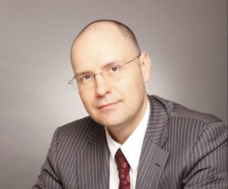 Daniel Anghel - Partener, Liderul departamentului de taxe si consultanta juridica, PwC Romania