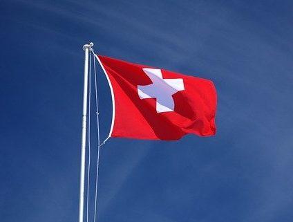 https://pixabay.com/photos/flag-switzerland-red-white-brier-999687/