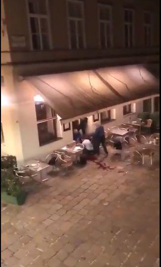 Ţinta atacatorilor nu ar fi fost sinagoga din Viena, ci o terasă din apropiere.