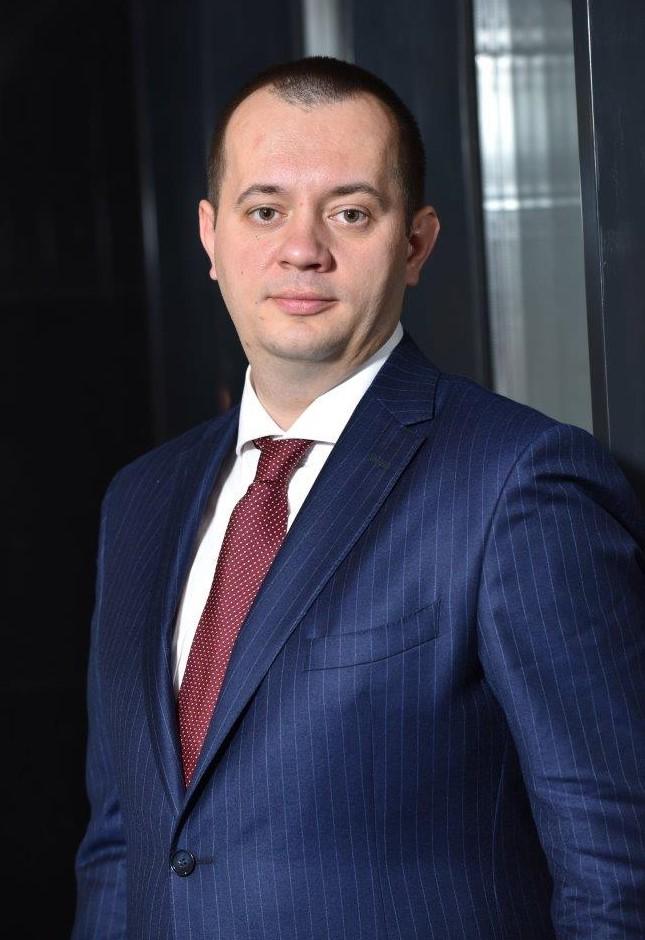 Bogdan Neacsu, Director general - Președinte al Comitetului de Direcție, CEC Bank, emagul pieței de servicii și produse bancare