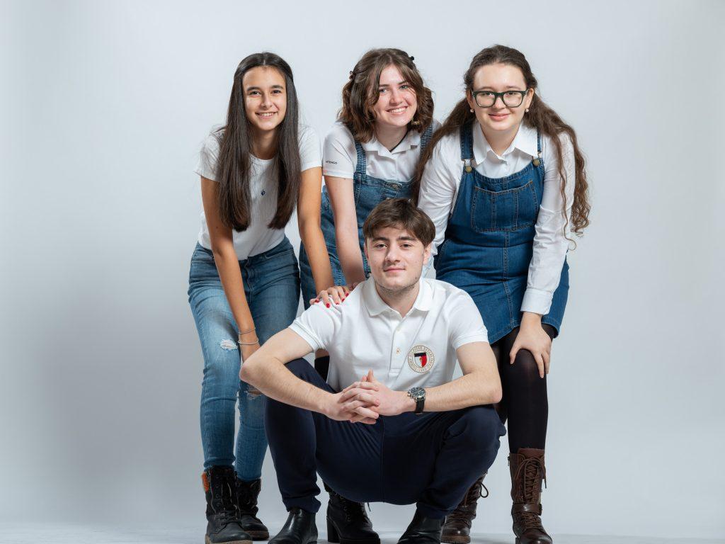 DPD România investește 30.000 de euro în educația copiilor supradotați din România. Elevi la Romanian Gifted School