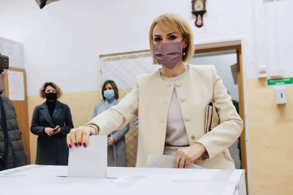 Firea: Am votat cu gândul la o formulă guvernamentală care să gestioneze mai performant criza sanitară