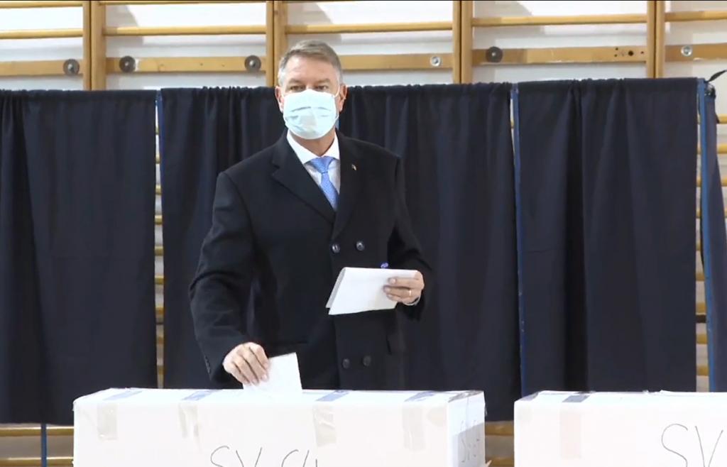 Iohannis: Dragi români, vă rog, mergeţi la vot; avem şansa de a alege un Parlament mai bun (video)