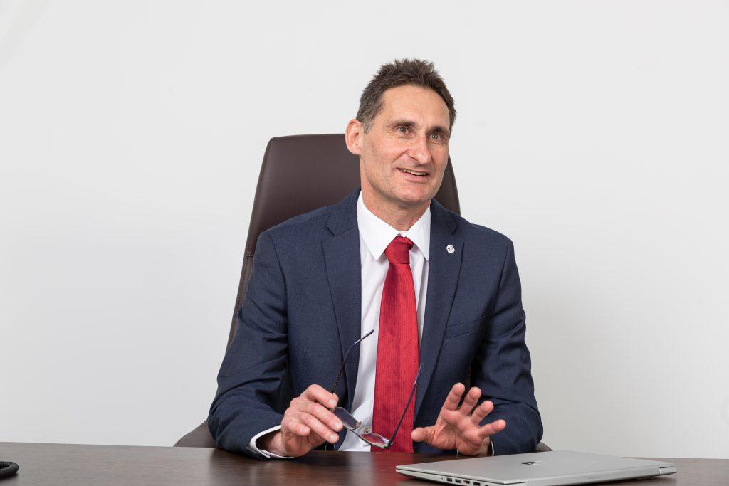 Tivadar Runtag, CEO Chimcomplex, Bulgaria, Grecia și Moldova sunt în mod direct dependente de producția Chimcomplex, neavând la nivel național producători de clorosodice sau alcooli și nici alte surse externe din care să se aprovizioneze