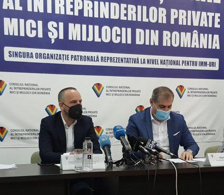 Felix Căprariu, ATE3: Din păcate consumatorii nu sunt informați corespunzător. Autorităţile trebuie să facă această informare, (...) niciun furnizor nu va fi de acord să informeze consumatori că există o modalitate să se mute la alt furnizor