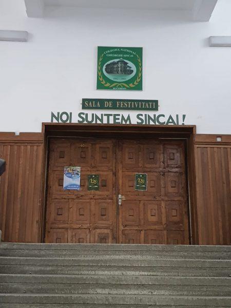 Părinții de la Colegiul Gheorghe Șincai au transmis o petiție președintelui României și Guvernului împotriva relocării elevilor / Primăria Sectorului 4 spune că vrea să consolideze clădireav