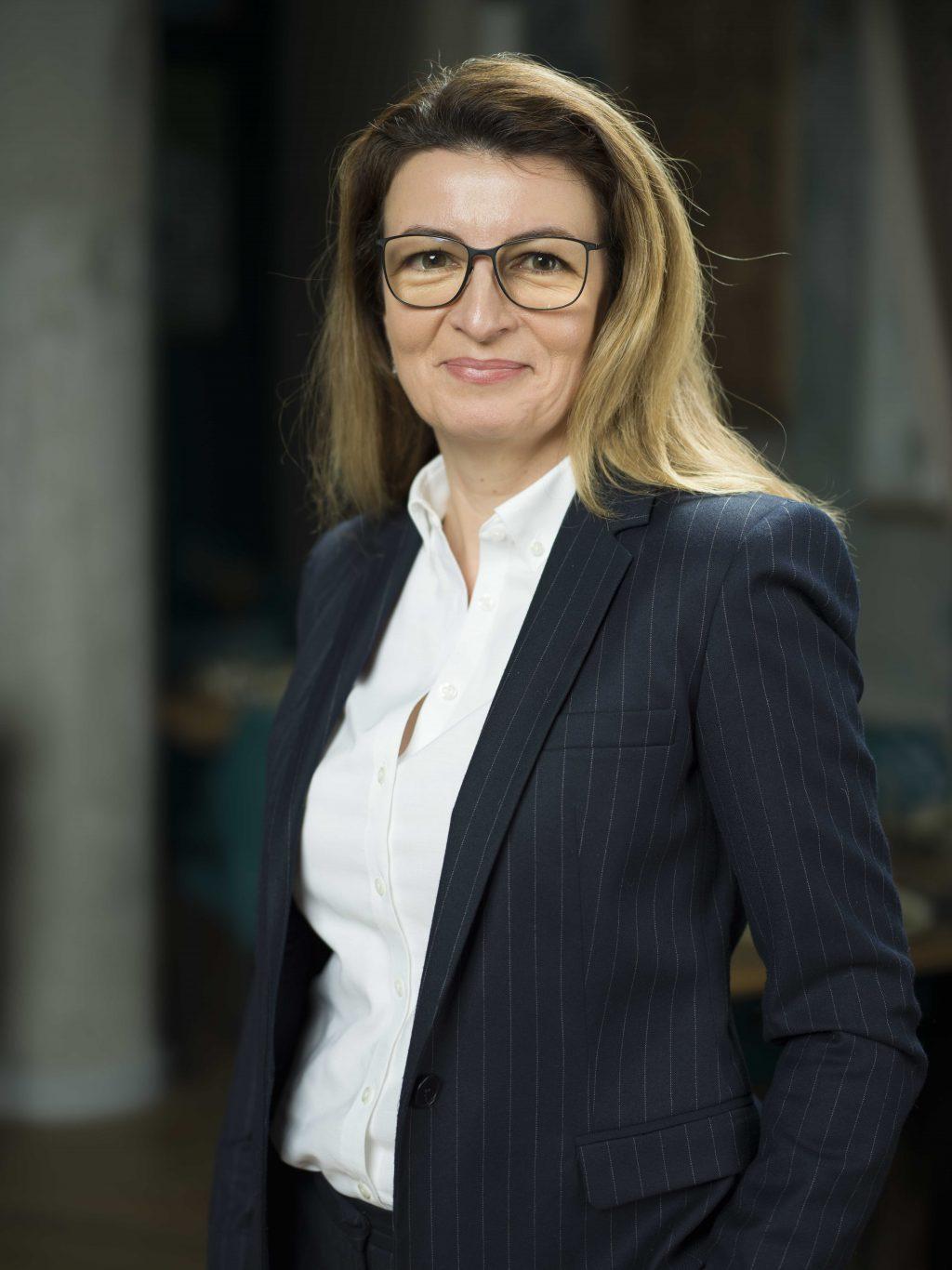  LĂCRĂMIOARA DIACONU-PINTEA, Membru al Directoratului, Complexul Energetic Oltenia