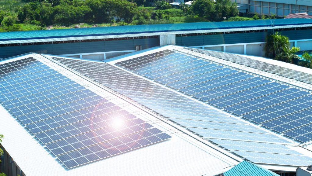 E.ON Energie România a încheiat 145 de parteneriate, în cadrul cărora va preda centrale fotovoltaice; valoarea totală a contractelor - circa 13 milioane de euro