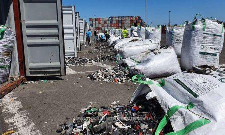 Alte cincisprezece containere încărcate cu deşeuri, descoperite în Portul Constanţa