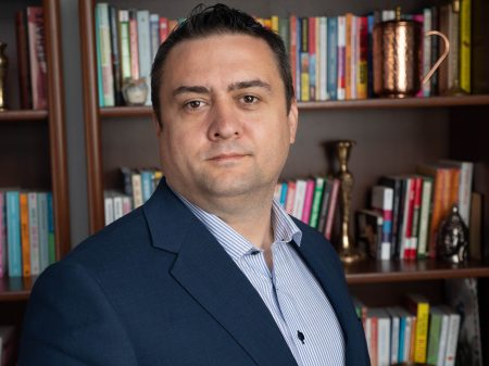 Adrian Dragomir co-fondator Termene.ro