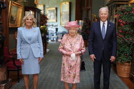 Joe Biden si regina Elisabeta