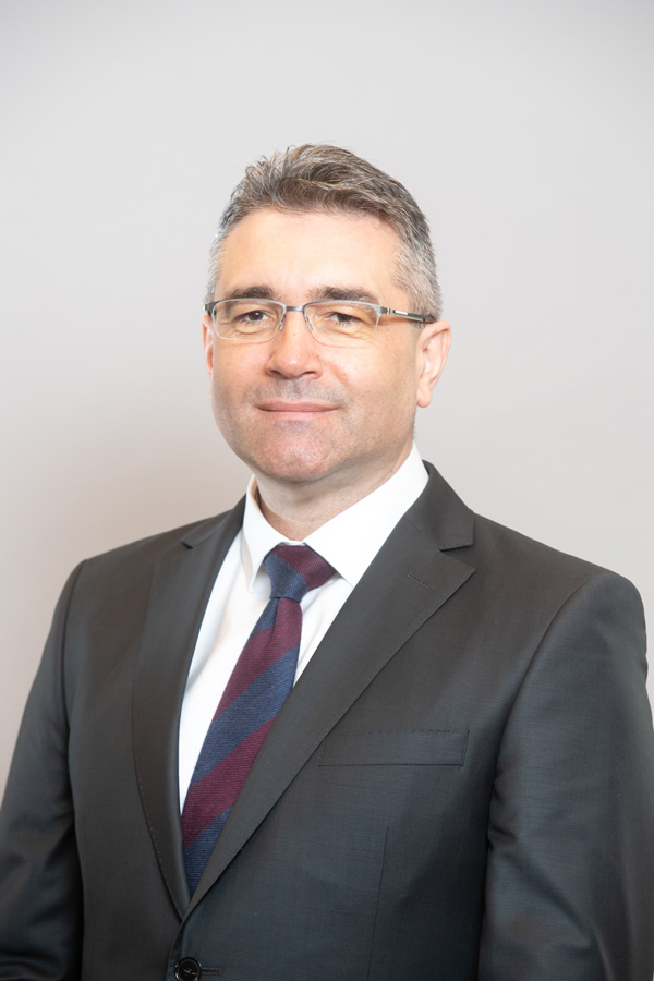 Leontin Toderici-BT Director General Adjunct Operatiuni Banca Transilvania