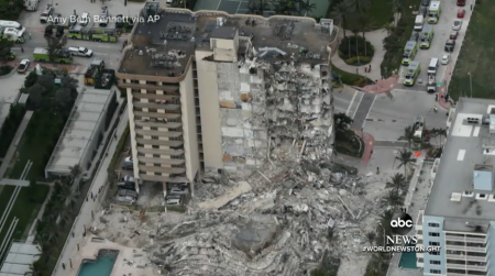 Imobil prăbuşit în Florida