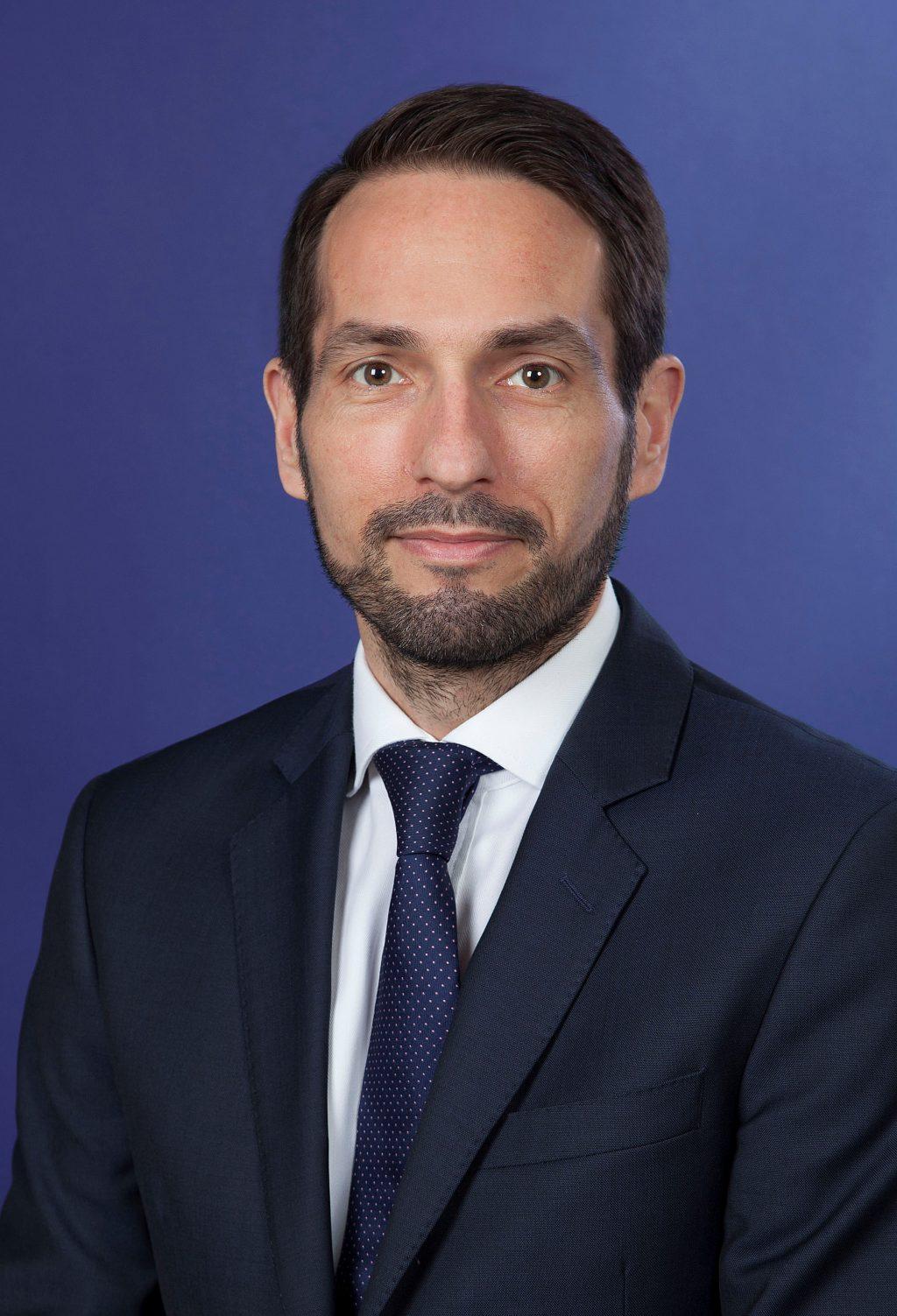 Peter Latos este noul lider al departamentelor de Consultanță și Strategie și Tranzacții ale EY România